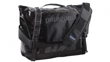 Patagonia Black Hole Messenger Bag / Laptoptasche