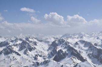 Die Überquerung der Pyrenäen auf Skiern